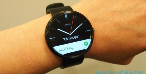 Motorola's Moto 360 smartwatch stands out from the LG G ...
